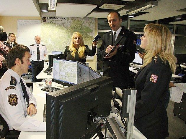 Operační středisko hasičské jednotky Libereckého kraje disponuje nejmodernějšími technologiemi, díky kterým budou moci rychleji a efektivněji reagovat.