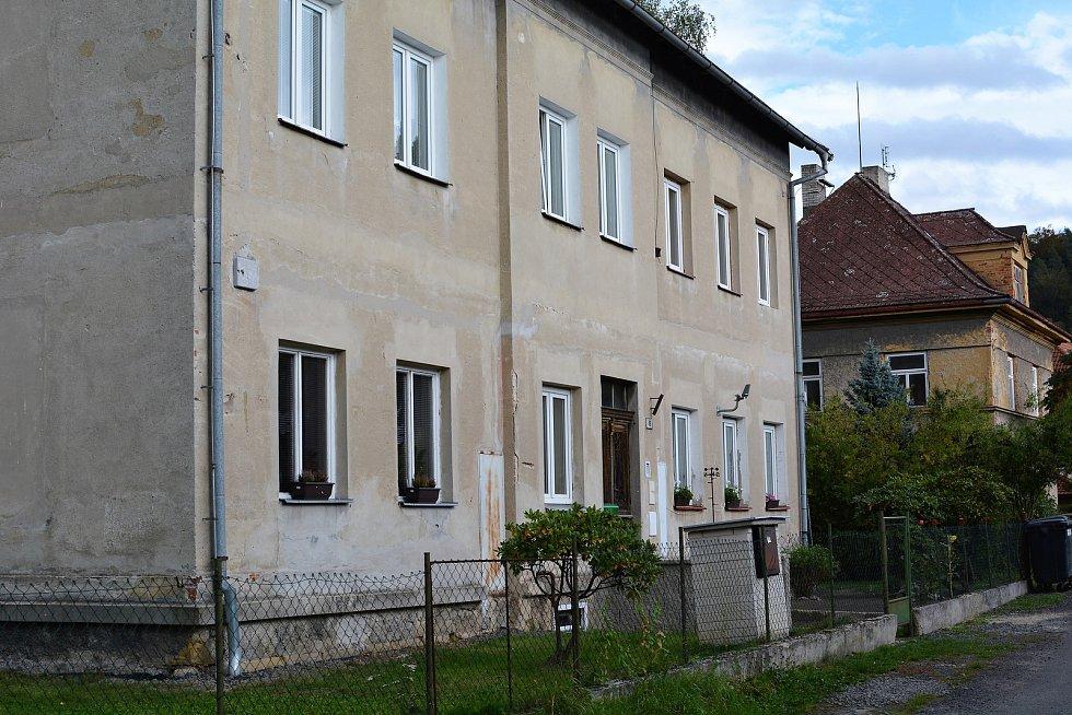 Stavení ve Skalici, kde také kdysi byla hospoda.(U nádraží)Velká vesnice Skalice u České Lípy zůstala bez jediného hostince.