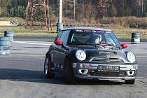 O uplynulém víkendu proběhlo vyvrcholení MOGUL driving cupu, série závodů pro amatérské závodníky na autodromu v Sosnové.