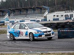 Šestý závod Autodrom Rally Série byl dramatický.