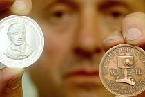 Medaili, která připomíná dvousté výročí narození Wilhelma Horna, vydala českolipská pobočka Českého svazu numismatiků. Čtenářům Deníku ji představil předseda Pavel Kučera.