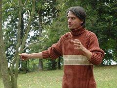 Procházka za magickými stromy proběhla v neděli v parku na zámku Nový Berštejn.