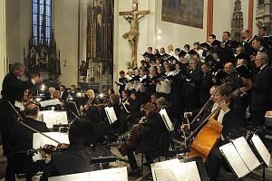 everočeský filharmonický sbor.