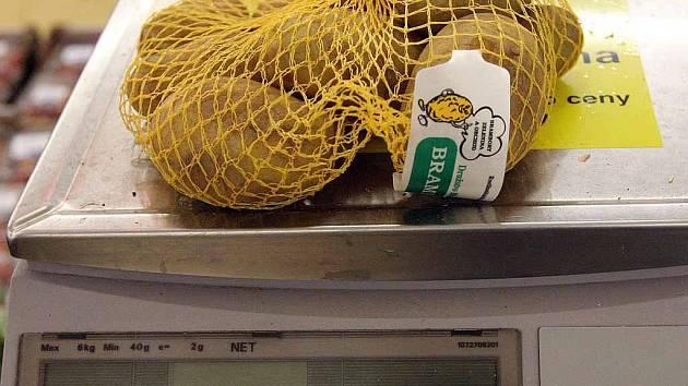 Testovali jsme množství potravin v baleních