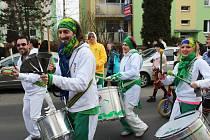 Rozzářený karnevalový průvod prošel Novým Borem v sobotu odpoledne.