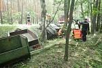 V pondělí v dopoledních hodinách zasahovali profesionální hasiči z Doks společně se svými dobrovolnými kolegy u vážné dopravní nehody, která se stala na silnici I/38 u odbočky na Bezděz.