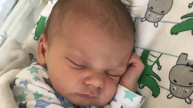 Rodičům Kristýně Morozinské a Jiřímu Pechovi z Hrobců se v úterý 29. prosince v 8:02 hodin narodil syn Jan Pech. Měřil 51 cm a vážil 3,27 kg.