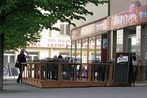 Z nižších poplatků za provozování zahrádek se můžou těšit podnikatelé na vyškovském Masarykově náměstí.