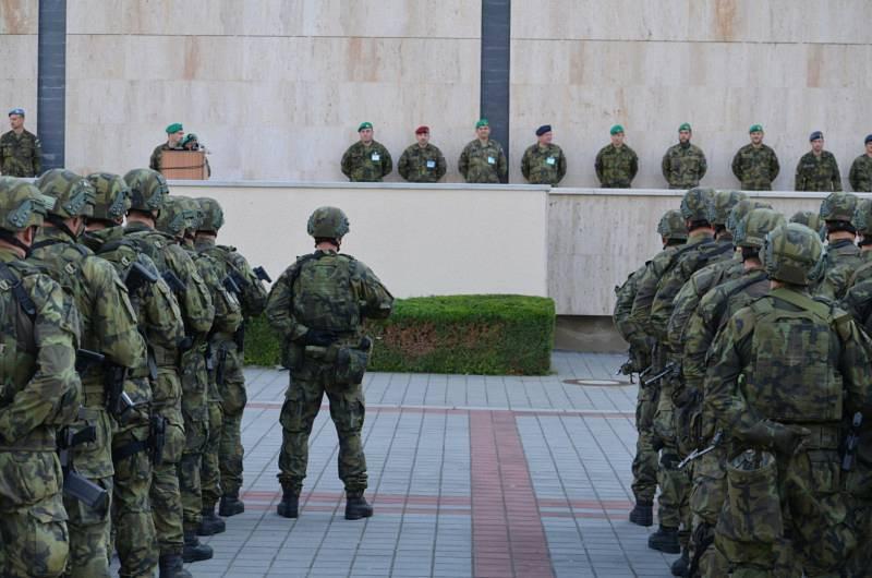 Nástupiště vojáků v dědických kasárnách.