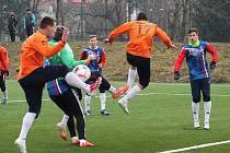 V přípravném utkání prohráli fotbalisté Tatranu Rousínov na umělém trávníku ve Vyškově s divizním FK Blansko 2:6.