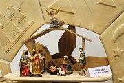 Letosní prodejní výstava ve vyškovské Knihovně Karla Dvořáčka je oděná do Vánoc.