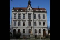 Základní umělecká škola v Rousínově potřebuje opravit střechu.