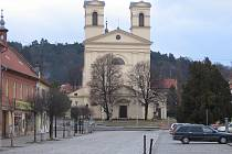 Další socha před bučovickým kostelem se dočká opravy.