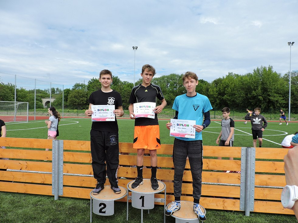 Žáci místní základní školy soutěžili v atletických disciplínách.