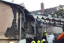 Čtyři jednotky likvidují od osmé hodiny požár rodinného domu v obci Luleč na Vyškovsku.