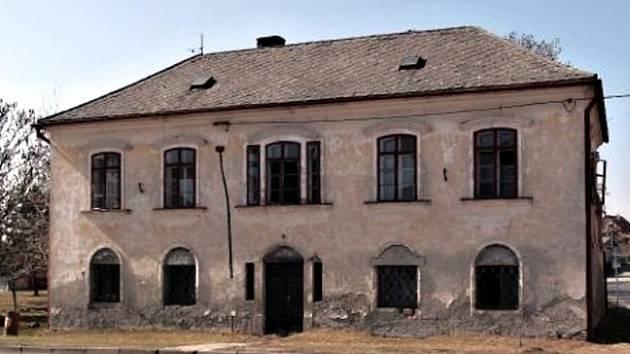 Bývalou faru v Bohdalicích čeká rekonstrukce.