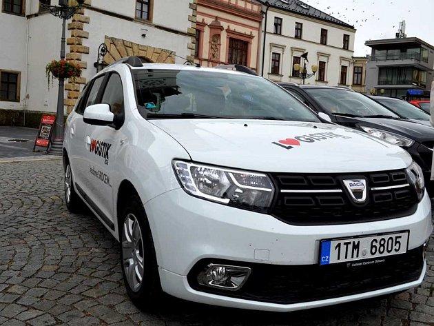 Ve Vyškově v pondělí odstartovala nová služba Senior taxi.