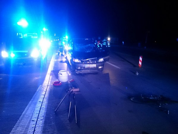 Na D1 uHolubic auto srazilo cyklistu.