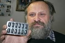 Křenovický kovář Oldřich Bartošek opět vyrobil originální přání.