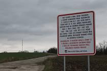 Bývalá motokrosová dráha ve Vážanech nad Litavou. Ilustrační foto.