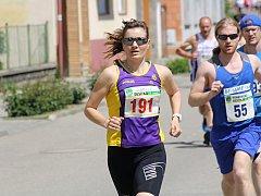 Běžecká stálice z Vyškovska Irena Pospíšilová (vlevo) sice při závodu na snímku Rohatecká desítka triumfovala, v Nemojanech se ale při krosu neobjeví. Náročný Nemojanský kros je tak letos příležitostí pro nová jména, a to nejen v ženské kategorii.