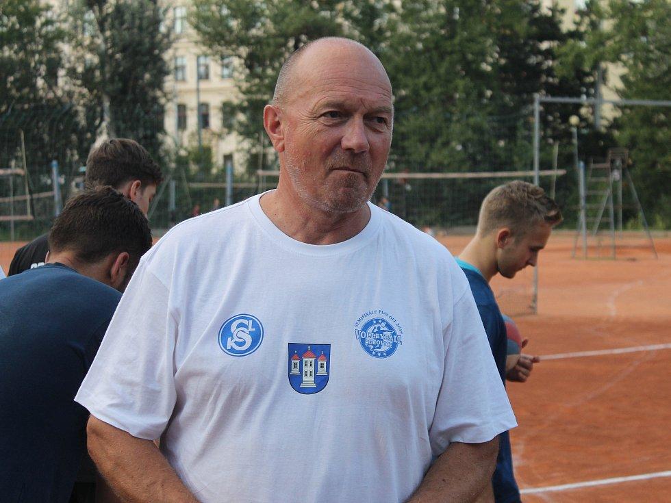 Trenérský post volejbalistů Sokola Bučovice posílil Jaroslav Vlk.