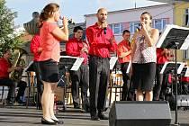 Dechová hudba Věrovanka zahrála a zazpívala svým příznivcům ve Vyškově.