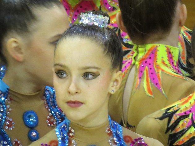 Darina Řehková z Brodku u Prostějova závodí za vyškovský sportovní klub Trasko. Reprezentuje ho v moderní gymnastice.