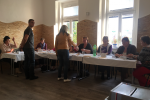Ve volební místnosti Domu děti a mládeže v Bučovicich panuje uvolněná a přátelská atmosféra.