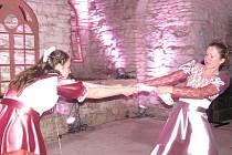 Dobové žánrové scénky mají už na slavkovském zámku tradici. Návštěvníkům se líbí, protože zpestří běžné prohlídky.