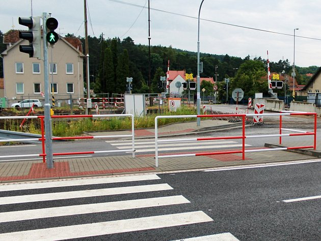 Rekonstrukce křižovatky v Nesovicích je už takřka u konce. Obyvatele obce ale její nová podoba příliš nenadchla.