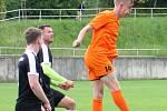 V přípravném utkání prohráli fotbalisté Bučovic (oranžové dresy) v Brně s FC Svratka 1:6.