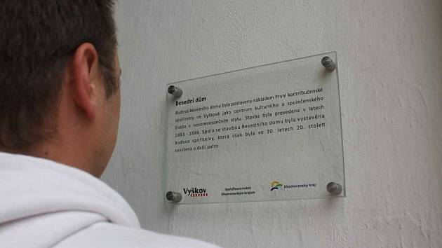 Vyškovské památky dostaly popisky. Obyvatelé i turisté se tak o nich dozví víc informací.