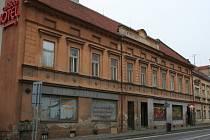 Jeden z památných domů ve Slavkovské ulici v Bučovicích se rozpadá. Město začalo jeho stav po letech řešit.