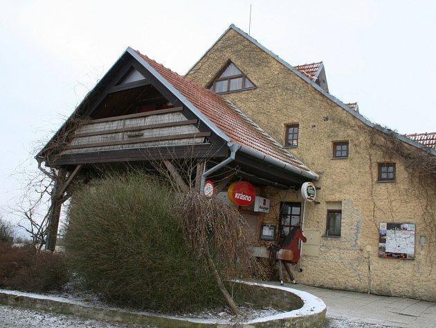 Bývalá farma Bolka Polívky v Olšanech. Ilustrační foto.