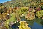 Lázeňský park v Trenčianských Teplicích patří k častým cílům turistů v tomto malém slovenském městě.