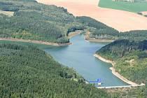 Letecký pohled na Opatovickou přehradu u Vyškova.