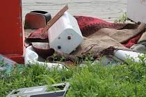Vyškovanům se nelíbí, že kontejnery na textil a vysloužilá elektozařízení jsou neustále terčem sociálně slabých. Ti je vybírají, a co se jim nehodí, nechají ležet u kontejneru.