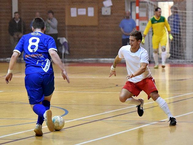 Futsalisté Amoru Vyškov (v bílém). Ilustrační foto.
