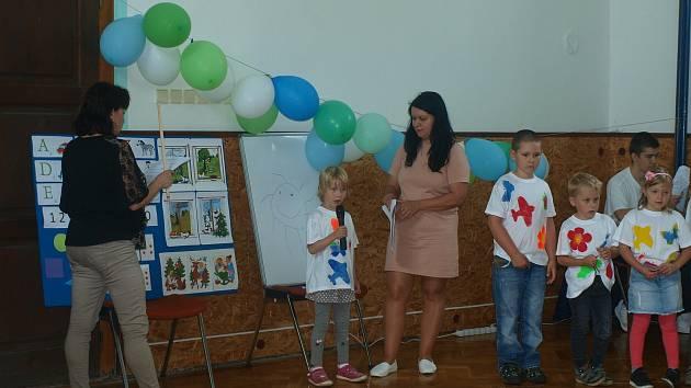 Ve Vážanech nad Litavou se rozloučila školka s předškoláky.