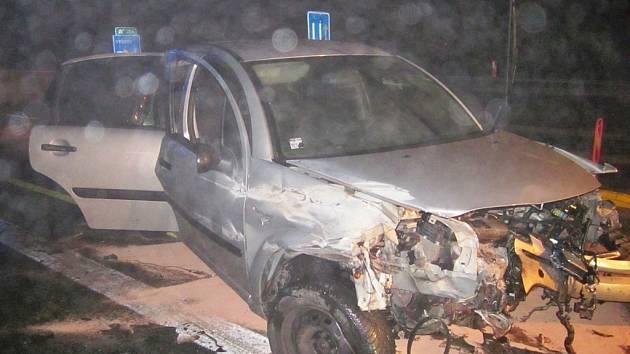 Nehoda dvou osobních aut na dálnici D1 u Vyškova ve směru na Kroměříž.