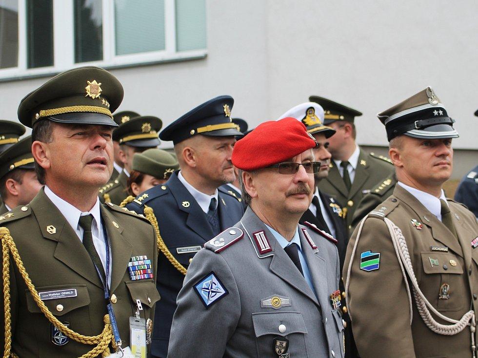 Centrum ochrany proti zbraním hromadného ničení ve Vyškově v pondělí oslavilo deset let svého fungování.