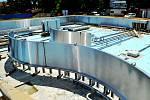 Stavební práce u víceúčelového bazénu vyškovského akvaparku jsou hotové. Rekonstrukce venkovního areálu pokračuje.