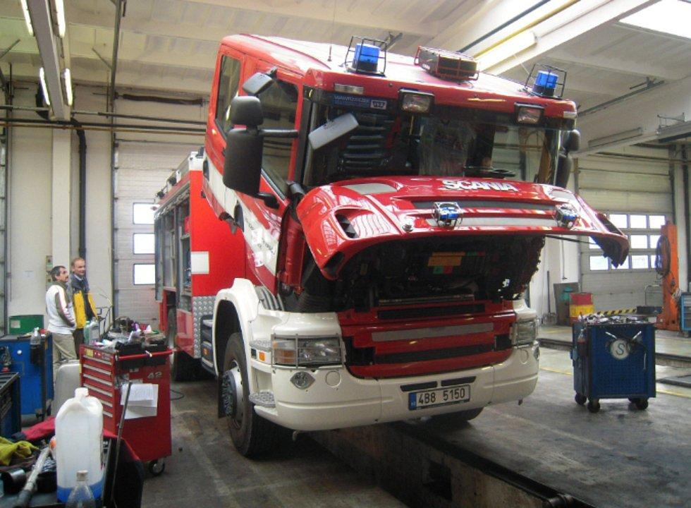 Od doby založení se sice počet bučovických dobrovolných hasičů snížil, stále ale pomáhají při zásazích a také s kulturním životem v obci. Foto: Archiv sboru