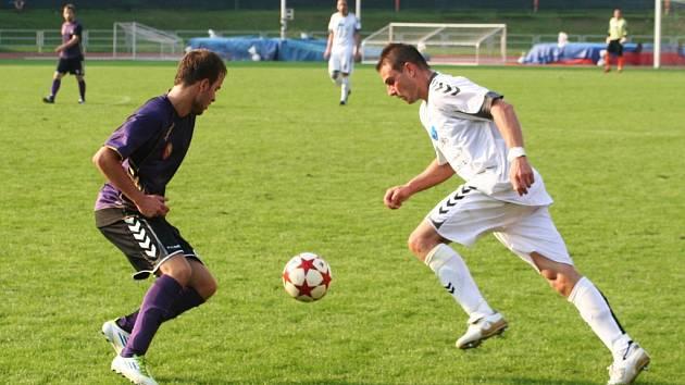 Fotbalisté MFK Vyškov v utkání s SFK Vrchovina.