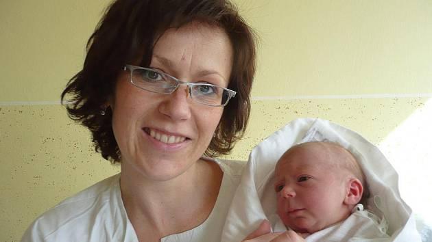 Helena Marie Neckařová s maminkou Janou, 49 cm, 3,050 kg, 16. března 2010, Vyškov