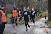 V Mikulášském běhu změřili závodníci síly na tratích o délce 200 metrů až 4,8 kilometru.