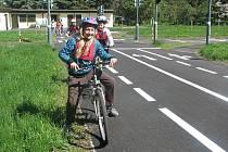 Výuka pravidel silničního provozu na dětském dopravním hřišti ve Vyškově