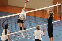 Volejbalový Štěpánský turnaj v Rousínově vyhrály ženy VK Křenovice. Mezi muži uspěl Ingstav Brno.