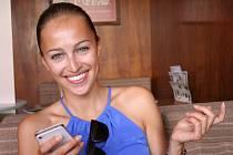 Českou Miss vyhrála Renata Langmannová v devatenácti letech. Od té doby se její život výrazně změnil. Přestěhovala se z Ivanovic na Hané do Prahy a dnes platí za jednu z nejúspěšnějších českých modelek.